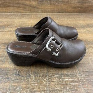 Born Slip-On Brown Leather Clogs Mules B-121